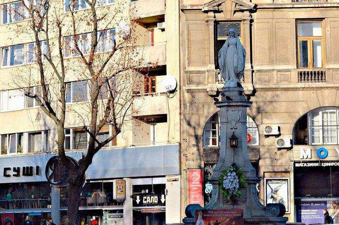Львів, площа Марійська Статуя Богоматері. Фото Тетяна Жернова, 2015 рік