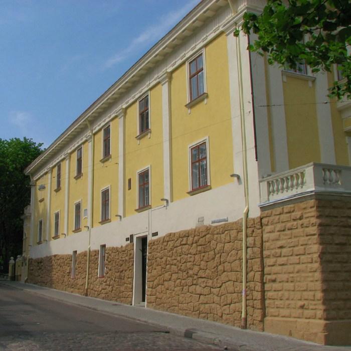 Сучасний вигляд палацу Баворовських
