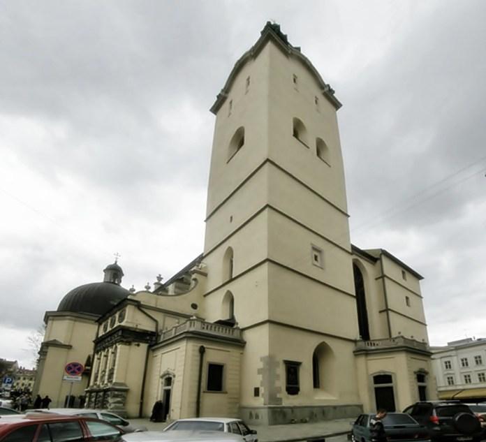 Сучасне фото. Вежа Латинської катедри. Джерело: Україна інкогніта.