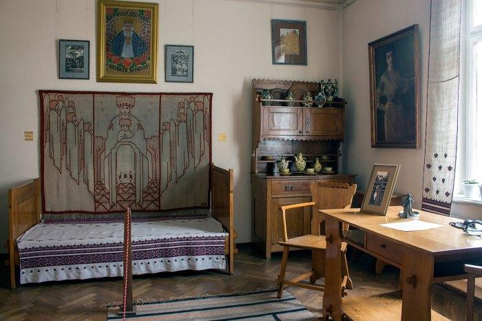 Інтер'єр Художньо-меморіального музею Олени Кульчицької