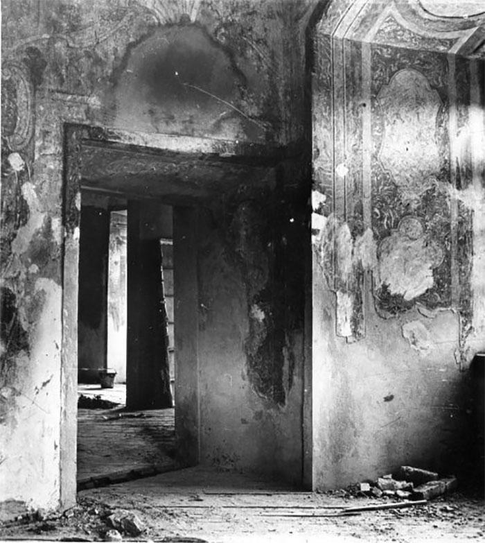 Олеський замок, фото кінця 60-х років