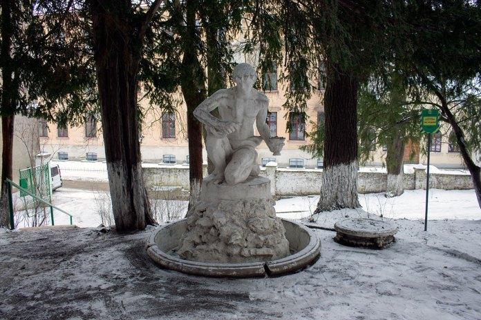 Скульптура роботи Валентина Подольського, 2016 рік