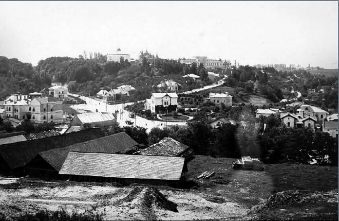 Вид на парк Кілінського та Софіївку. В центрі школа Св.Софії, поч. ХХ ст.