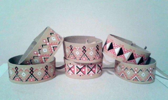 Шкіряні браслети з орнаментами Олени Кульчицької