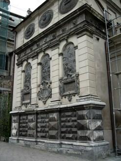 Фасад каплиці Кампіанів