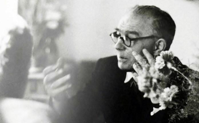 Болеслав Влодзімєж Левіцкі (1908-1981) – один із засновників кіноклубу «Авангард», польський теоретик кіно, критик та педагог. Ректор Кіношколи в Лодзі у 1968-1969 рр.
