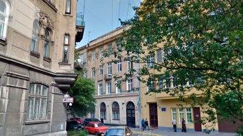 """Будинок, де були виробничі приміщення філії """"L.&C.Hardtmuth Tow. Akc. we Wiedniu Filja we Lwowe"""", вул.Стецька, 11, 2016 рік"""