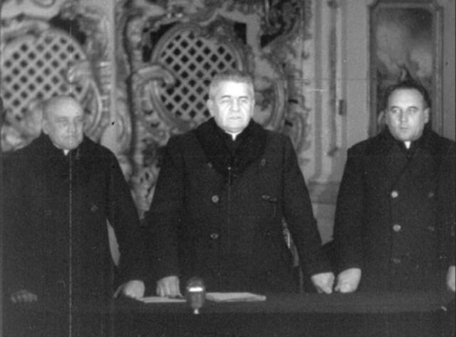 Президія Львівського Собору - А.Пельвецький, Г.Костельник та М.Мельник. 8 березня 1946 року