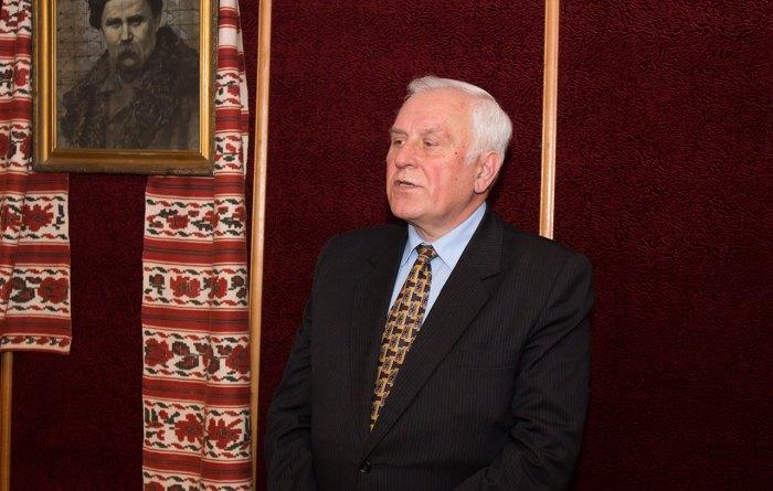 Доктор філологічних наук Михайло Гнатюк
