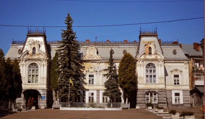 1849 р. маєток було збудовано на замовлення посла галицького сейму графа Костянтина Семенського