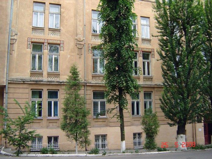 Сучасний вигляд будинків Студіону 2а і 2б по вул. П. Скарги (Озаркевича, 2)