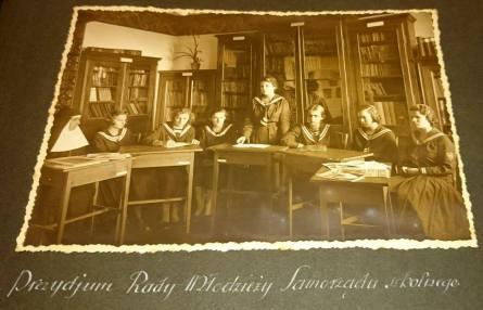 Засідання Рада учнівського самоврядування школи св. Урсули. Фото 1932-1939 рр.