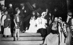 Володимир Блавацький у ролі Ісуса Христа у виставі «Голгота» Г. Лужницького, театр «Заграва», 1936 р. (із книги Г. Лужницького «Наш театр»)