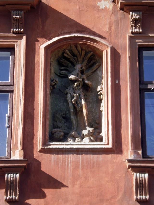Скульптура св. Онуфрія на фасаді будинку №7 на вул. Краківській. Сучасне фото