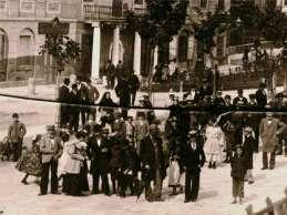 """Кам'яниця Меллера, на місці котрої буде збудовано будівлю товариства """"Дністер"""". Фото 1890 рр."""