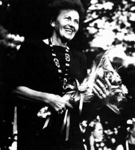 Рома Прийма-Богачевська на верховинській сцені (Народна воля. – 2002. – 22 серп.)