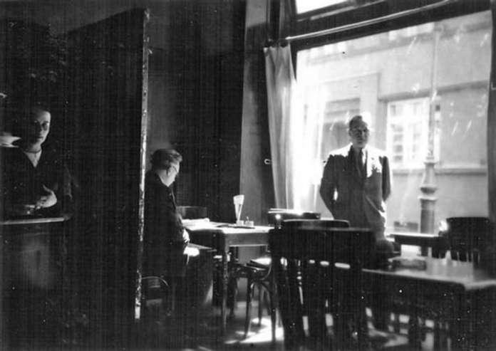 """Математик світової слави Стефан Банах у """"Шкотській"""". Фото 1930-х років – приватний архів сім'ї Герлінде Гранітцер"""