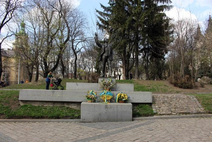 Пам'ятник В'ячеславу Чорноволу, 2016 рік