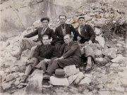 Вгорі посередині Іван Хандон. Інші невідомі. Фото початку 1930-х, с. Корчин.