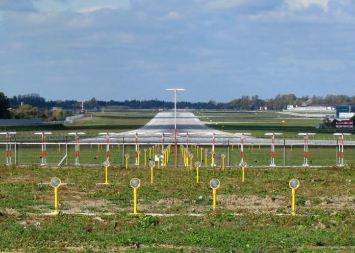 Злітна полоса скнилівського аеропорту, що неодноразово ставала місцем транспортних пригод за участю літаків