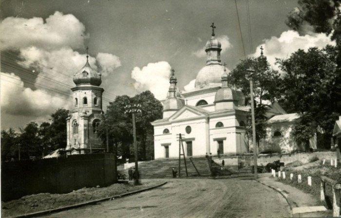 Монастирська церква Успіння Пресвятої Богородиці у Тернополі. 1939 р.