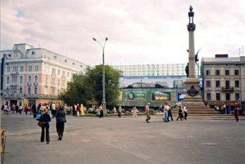 """Будинок колишнього готелю """"Європейський"""" під час реконструкції. Фото 2005-2006 рр."""