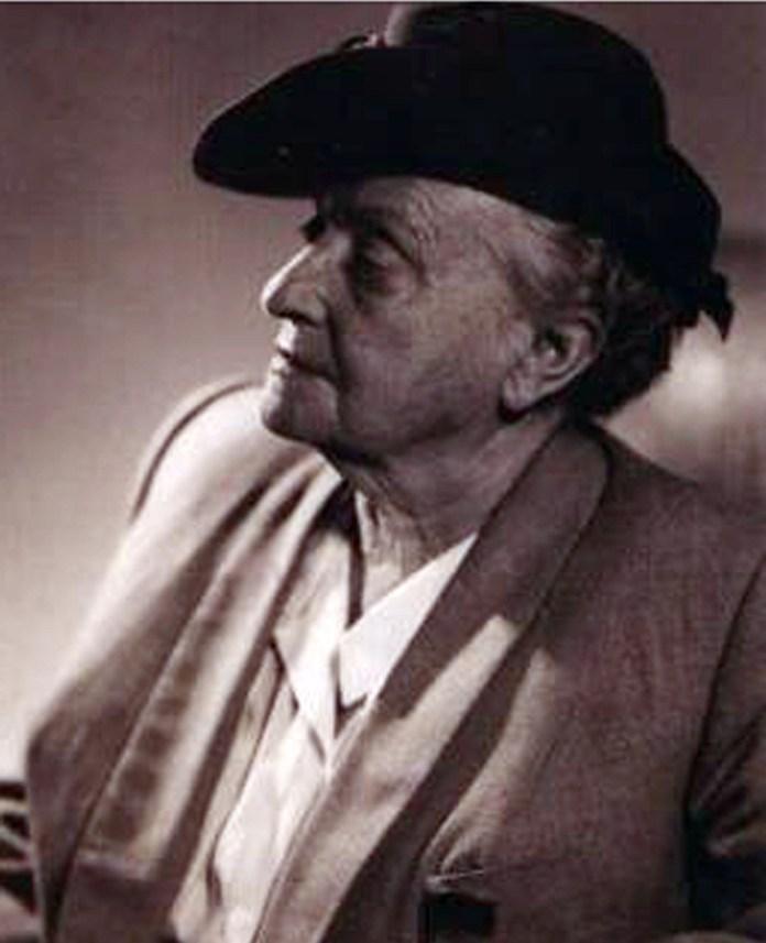 Олена Кульчицька, 1940–1950-ті рр. (з архіву М. Маслія; зі сайту http://ukrslovo.net/ukrainstvom/postati/14878.html)