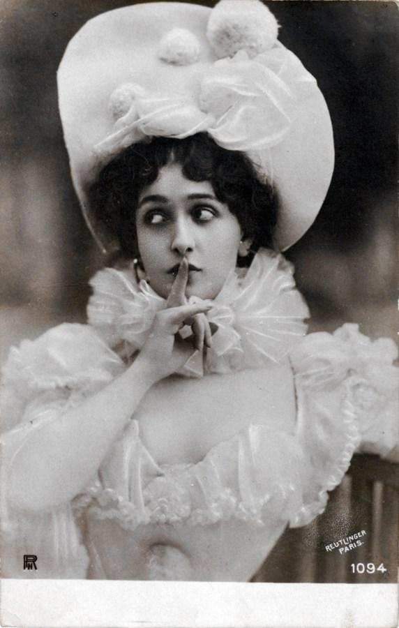 Жінка в капелюшку, між 1901–1910 рр. Джерело: https://polona.pl
