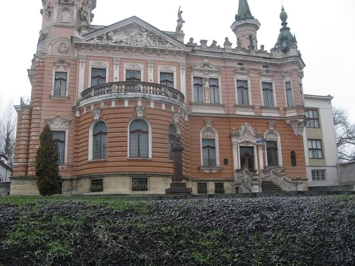 Палац Дуніковських на Драгоманова, 42