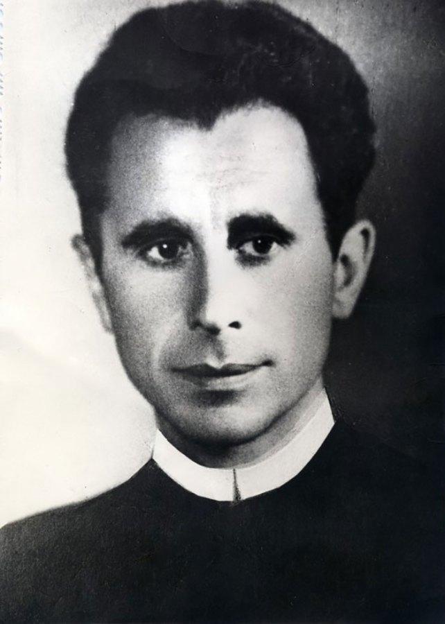 Отець Богдан Репетило