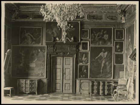 Багряна Зала Підгорецього замку. Фото 1909 року