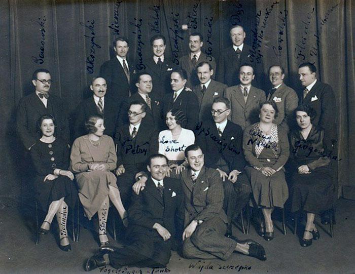 Групове фото радіоколективу. Початок 1930-х