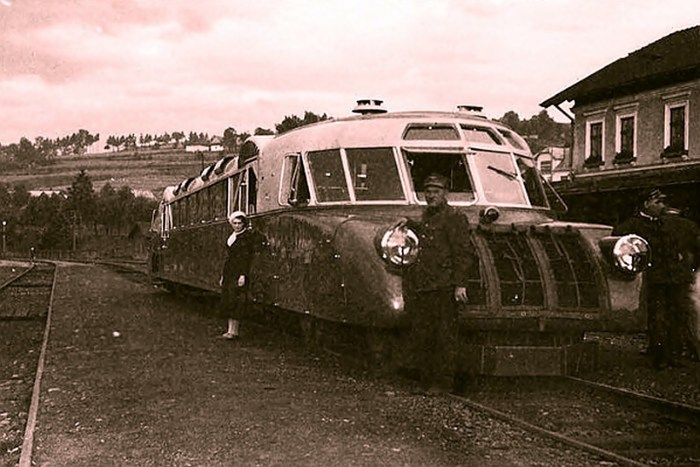 узлова станція Хабувка в карпатському передгір'ї. 1936-38 рр.