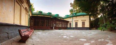 Фасад будинку колишньої Kрайової школи лісництва