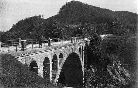 Микола Сеньковський. Міст через Рибницю, Косів, 1925–1930-ті рр. (зі сайту http://proidysvit.livejournal.com/61415.html)