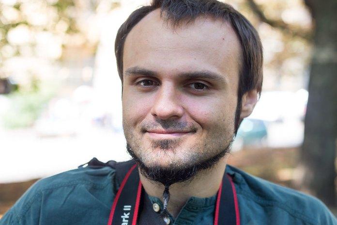 Фогограф та організатор виставки Назарій Юськів