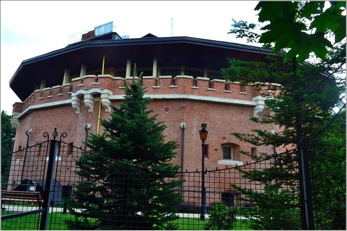 Одна з фортифікаційних споруд Цитаделі (фото Тетяна Жернова 2016р)