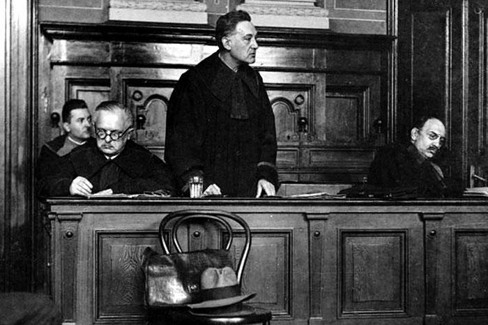 Володимир Старосольський виступає в суді над Біласом і Данилишиним, грудень 1932 р. (Джерело: http://www.nac.gov.pl)