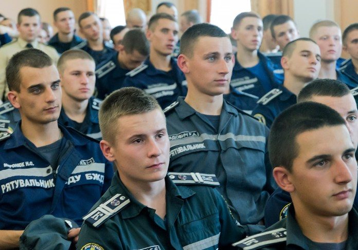 На презентації присутні здебільшого курсанти. Фото: Ксенія Янко