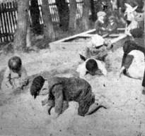 У дитячому садку «Рідної Школи» в Підберізцях, 1938 р. (Українське Дошкілля. – 1938. – Ч. 5)
