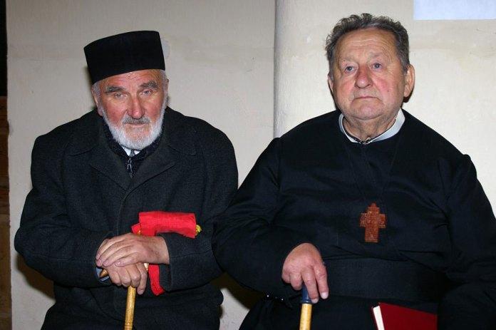 Отці Микола Волосянко (ліворуч) та Володимир Мицак