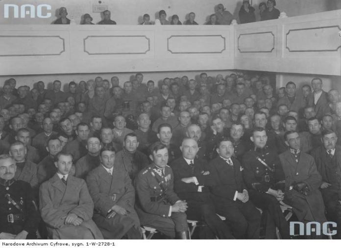 """Виклад пропаганди в """"Дрогобицьких Бригідках"""". Фото 1930-х рр."""