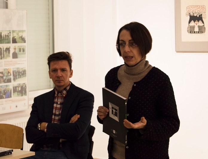 Наталія Космолінська та Юрій Гнатковський презентують п'яте число журналу «A-Zart». Фото: Ксенія Янко