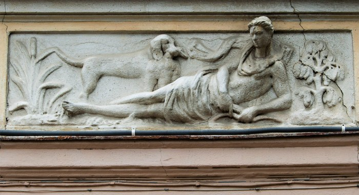 Павло Ойтелє. Один з рель'єфів, що зображає богиню Діану (Зелена, 24). Фото: Ксенія Янко