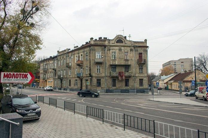 Ріг вулиць Б.Хмельницького та Донецької, 2016 р.
