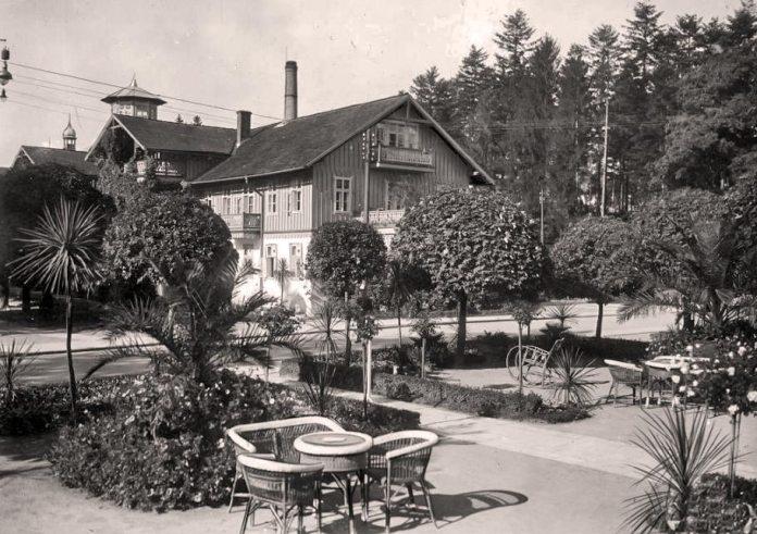 Трускавець. Літнє кафе біля Товариського клубу, 30-і ХХ ст.