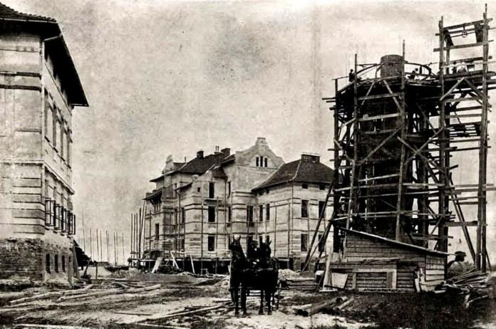 Розбудова лікарні у 1905 році