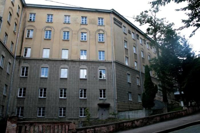 Корпус Львівської комерційної академії