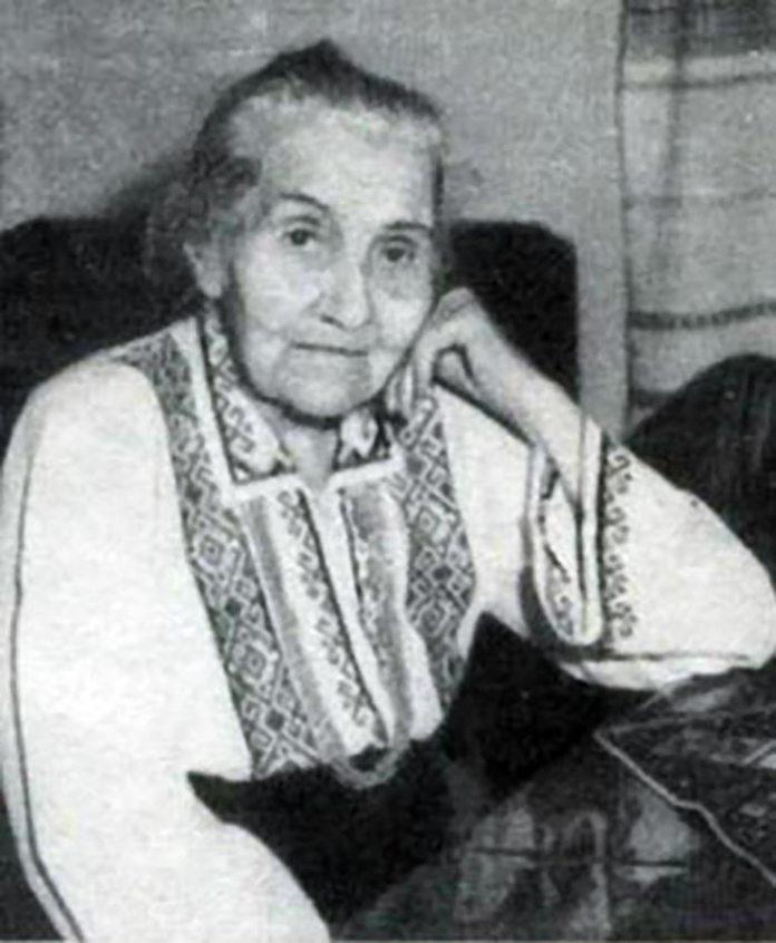 Письменниця Ольга Дучимінська, заарештована у віці 66 років (22 листопада 1949 року) і засуджена до 25 років заслання в сибірські спецтабори