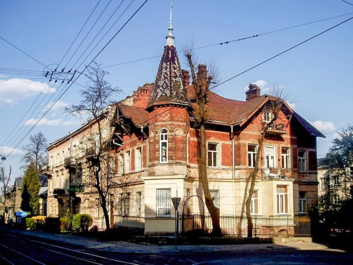 Особняк у Львові на вул. Генерала Чупринки, 33